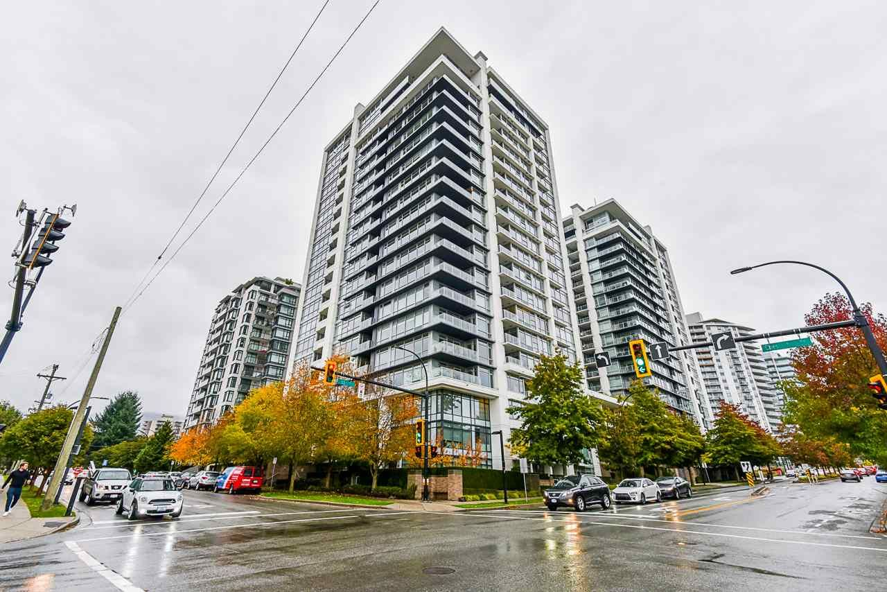 """Main Photo: 302 1320 CHESTERFIELD Avenue in North Vancouver: Central Lonsdale Condo for sale in """"VISTA PLACE"""" : MLS®# R2513470"""
