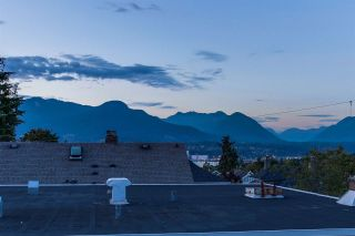 Photo 12: 1909 PARKER Street in Vancouver: Grandview VE House for sale (Vancouver East)  : MLS®# R2207383