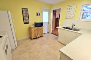 """Photo 7: 220 NINTH Avenue in New Westminster: GlenBrooke North House for sale in """"Glenbrooke North"""" : MLS®# R2438551"""