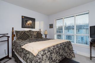 """Photo 11: 40 15405 31 Avenue in Surrey: Grandview Surrey Townhouse for sale in """"Nuvo 2"""" (South Surrey White Rock)  : MLS®# R2018076"""