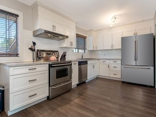 Photo 2: 9727 Austin Road SE in Calgary: Acadia Detached for sale : MLS®# A1071027