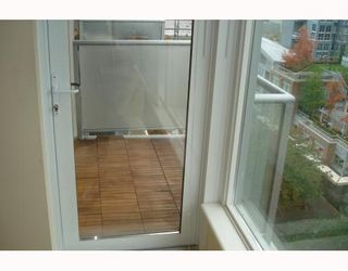 """Photo 2: 1003 1001 RICHARDS Street in Vancouver: Downtown VW Condo for sale in """"MIRO"""" (Vancouver West)  : MLS®# V738446"""