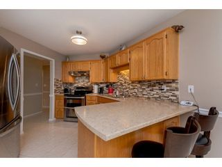 """Photo 7: 208 5375 205 Street in Langley: Langley City Condo for sale in """"GLENMONT PARK"""" : MLS®# R2295267"""