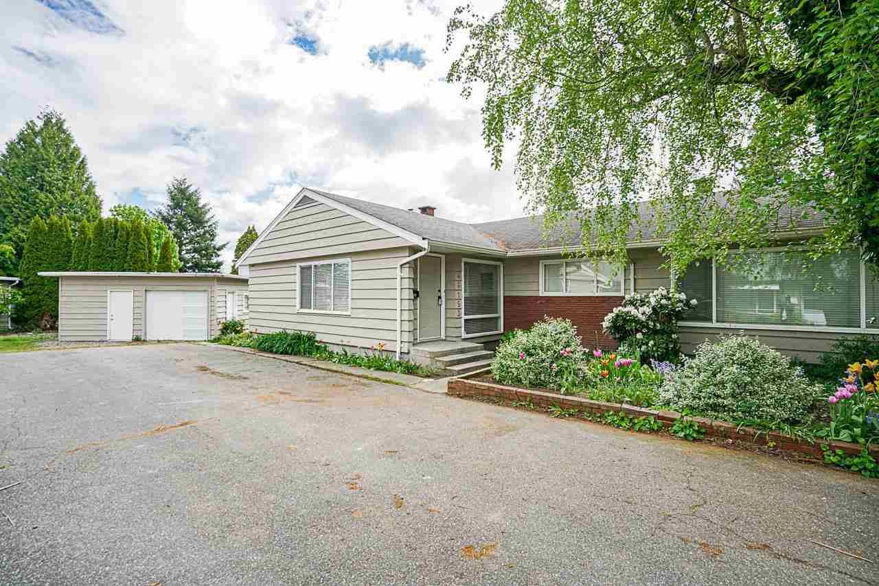 Main Photo: 2 46151 BROOKS Avenue in Chilliwack: Chilliwack E Young-Yale 1/2 Duplex for sale : MLS®# R2574915