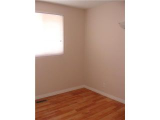 Photo 8: 30 ERIN RIDGE Place SE in CALGARY: Erinwoods Residential Detached Single Family for sale (Calgary)  : MLS®# C3602698