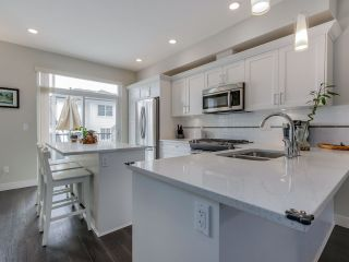 """Photo 8: 9 2469 164 Street in Surrey: Grandview Surrey Townhouse for sale in """"Abby Road"""" (South Surrey White Rock)  : MLS®# R2063728"""