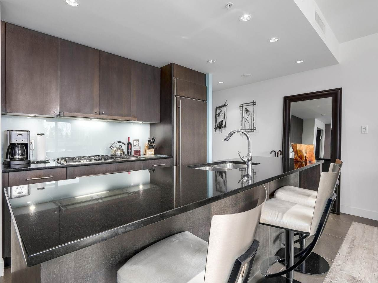 Photo 7: Photos: 401 1455 HOWE STREET in Vancouver: Yaletown Condo for sale (Vancouver West)  : MLS®# R2145939