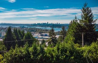 Photo 4: 937 ANDERSON Crescent in West Vancouver: Sentinel Hill House for sale : MLS®# R2606474