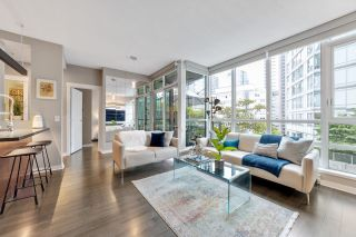 """Photo 4: 302 1189 MELVILLE Street in Vancouver: Coal Harbour Condo for sale in """"THE MELVILLE"""" (Vancouver West)  : MLS®# R2611872"""