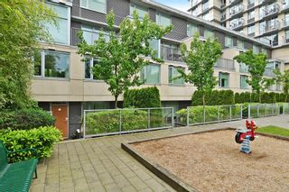 """Photo 12: 2727 PRINCE EDWARD Street in Vancouver: Mount Pleasant VE Townhouse for sale in """"UNO"""" (Vancouver East)  : MLS®# V1122910"""