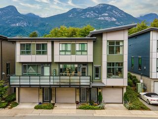 """Photo 2: 38363 SUMMITS VIEW Drive in Squamish: Downtown SQ Townhouse for sale in """"EAGLE WIND AT NATURES GATE"""" : MLS®# R2618293"""