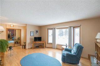 Photo 3: 105 Oakbank Drive: Oakbank Residential for sale (R04)  : MLS®# 1801130