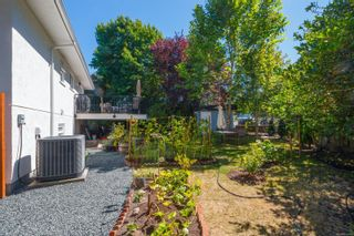 Photo 33: 2179 Cranleigh Pl in : OB Henderson House for sale (Oak Bay)  : MLS®# 852463