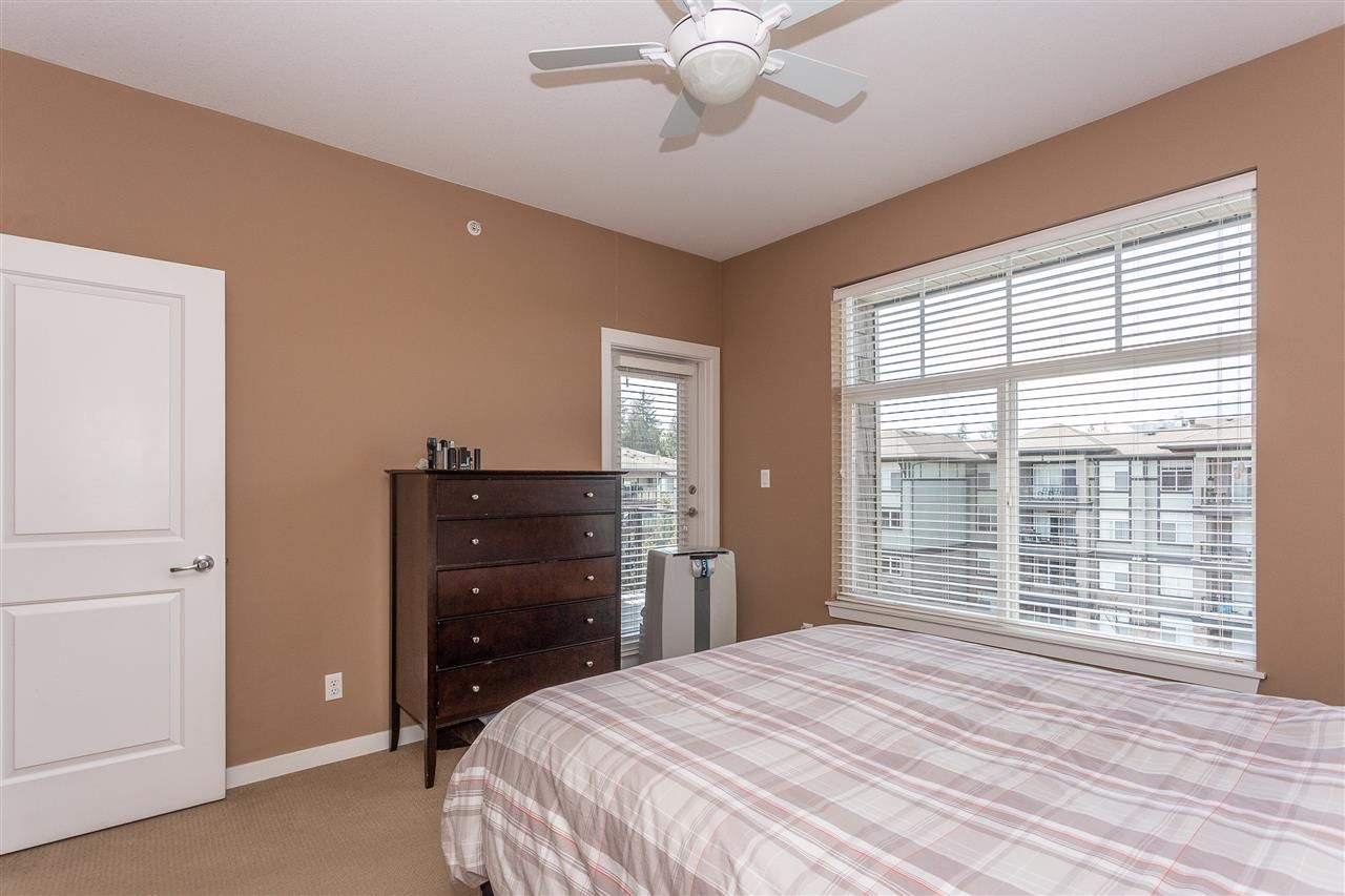"""Photo 12: Photos: 409 33338 MAYFAIR Avenue in Abbotsford: Central Abbotsford Condo for sale in """"The Sterling"""" : MLS®# R2346998"""