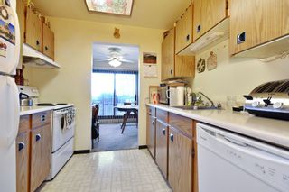 """Photo 6: 311 33870 FERN Street in Abbotsford: Central Abbotsford Condo for sale in """"Fernwood Manor"""" : MLS®# R2420512"""