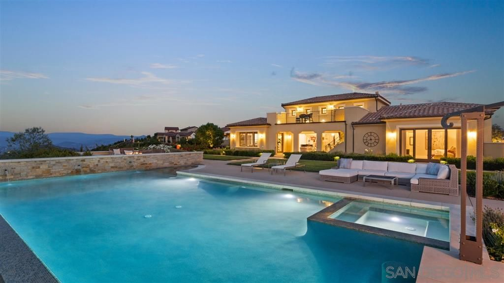 Main Photo: RANCHO SANTA FE House for sale : 4 bedrooms : 8944 Via Rancho Cielo