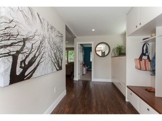 Photo 4: 26550 28B Avenue in Langley: Aldergrove Langley House for sale : MLS®# R2164827