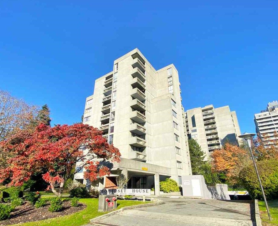 """Main Photo: 204 4105 IMPERIAL Street in Burnaby: Metrotown Condo for sale in """"SOMERSET HOUSE"""" (Burnaby South)  : MLS®# R2511381"""