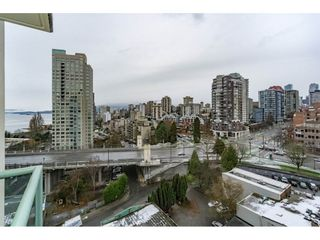 "Photo 14: 1505 907 BEACH Avenue in Vancouver: Yaletown Condo for sale in ""CORAL CRT"" (Vancouver West)  : MLS®# R2229594"