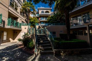 """Photo 18: 311 332 LONSDALE Avenue in North Vancouver: Lower Lonsdale Condo for sale in """"The Calypso"""" : MLS®# R2214672"""