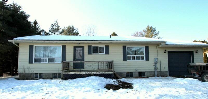 Main Photo: 637 Balsam Lake Drive in Kawartha Lakes: Rural Bexley House (Bungalow-Raised) for sale : MLS®# X4700530