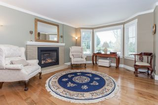 Photo 3: 1142 161A STREET in South Surrey White Rock: King George Corridor Home for sale ()  : MLS®# R2049656