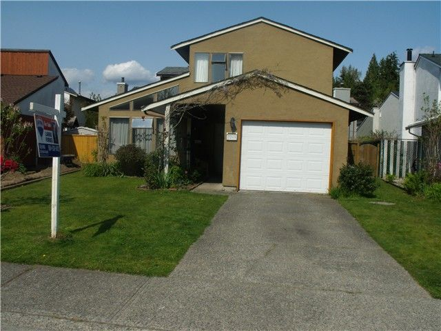 """Main Photo: 3249 DUNKIRK Avenue in Coquitlam: New Horizons House for sale in """"NEW HORIZONS"""" : MLS®# V1112846"""