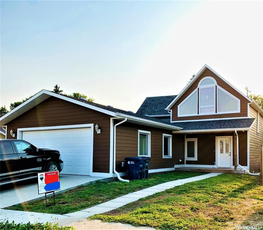 Main Photo: 212 Van Horne Street in Windthorst: Residential for sale : MLS®# SK850207