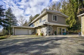 "Photo 1: 35825 OLD YALE Road in Abbotsford: Abbotsford East House for sale in ""W OF TRWY TO MCLR N OF SFW"" : MLS®# R2537816"