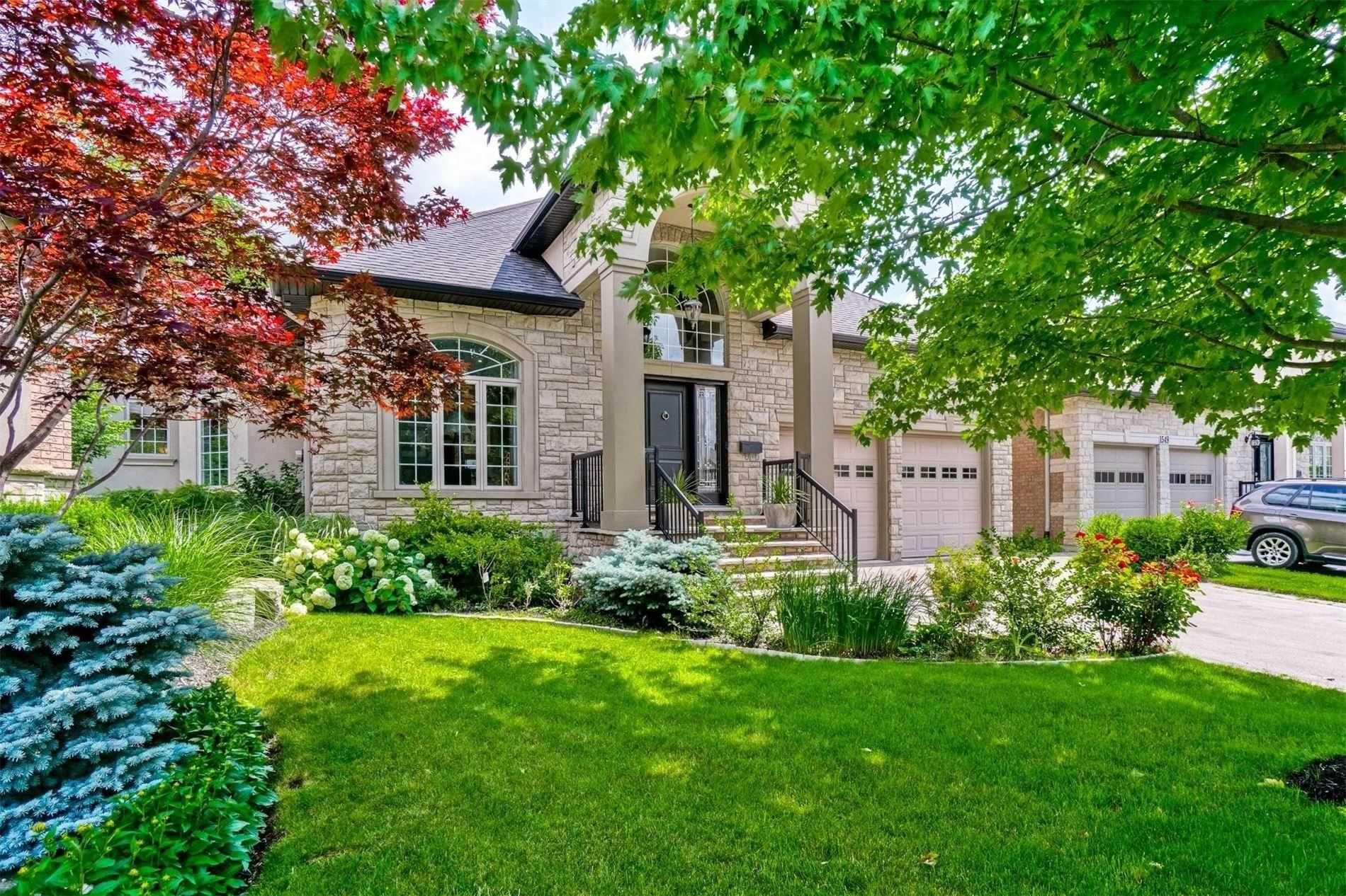 Main Photo: 1553 Destiny Court in Oakville: College Park House (Bungaloft) for sale : MLS®# W5308654