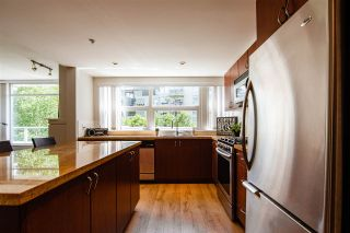 Photo 4: 301 9266 UNIVERSITY Crescent in Burnaby: Simon Fraser Univer. Condo for sale (Burnaby North)  : MLS®# R2464043