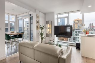 """Photo 1: 2002 1283 HOWE Street in Vancouver: Downtown VW Condo for sale in """"Tate Downtown"""" (Vancouver West)  : MLS®# R2562552"""