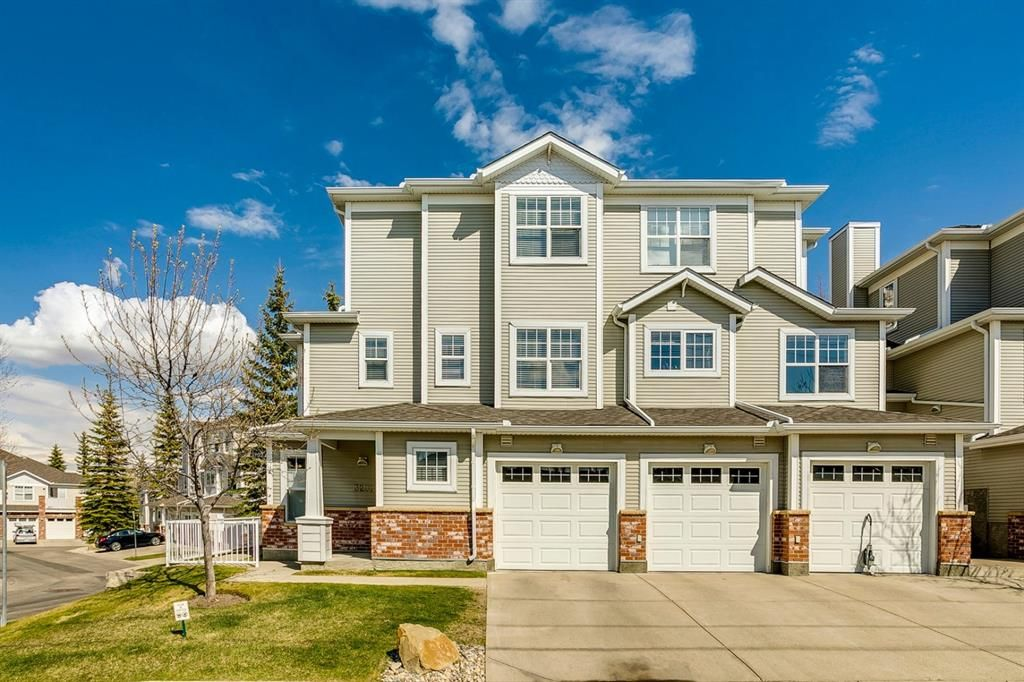 Main Photo: 3201 7171 Coach Hill Road SW in Calgary: Coach Hill Row/Townhouse for sale : MLS®# A1124017
