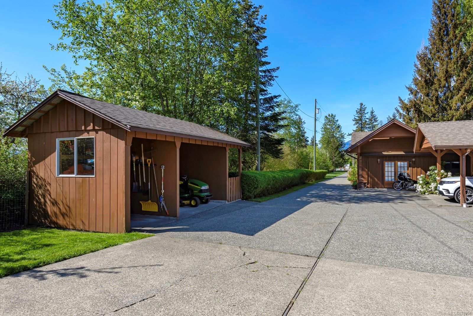 Photo 21: Photos: Vancouver Island Horse Property