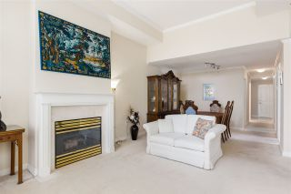 """Photo 6: 302 1010 W 42ND Avenue in Vancouver: South Granville Condo for sale in """"Oak Gardens"""" (Vancouver West)  : MLS®# R2419293"""