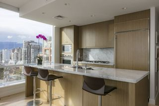 Photo 4: 1704 1455 HOWE STREET in Vancouver: Yaletown Condo for sale (Vancouver West)  : MLS®# R2263056
