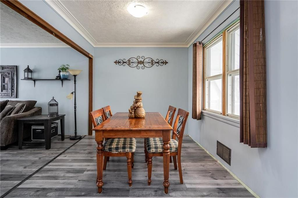 Photo 3: Photos: 984 Cathedral Avenue in Winnipeg: Sinclair Park Residential for sale (4C)  : MLS®# 202029493