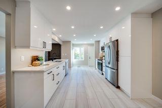 Photo 3: 5010 147 Street in Edmonton: Zone 14 Townhouse for sale : MLS®# E4266263