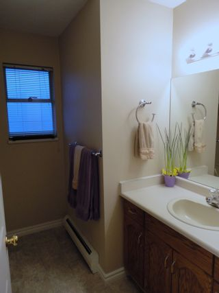 Photo 16: 9168 160A STREET in MAPLE GLEN: House for sale
