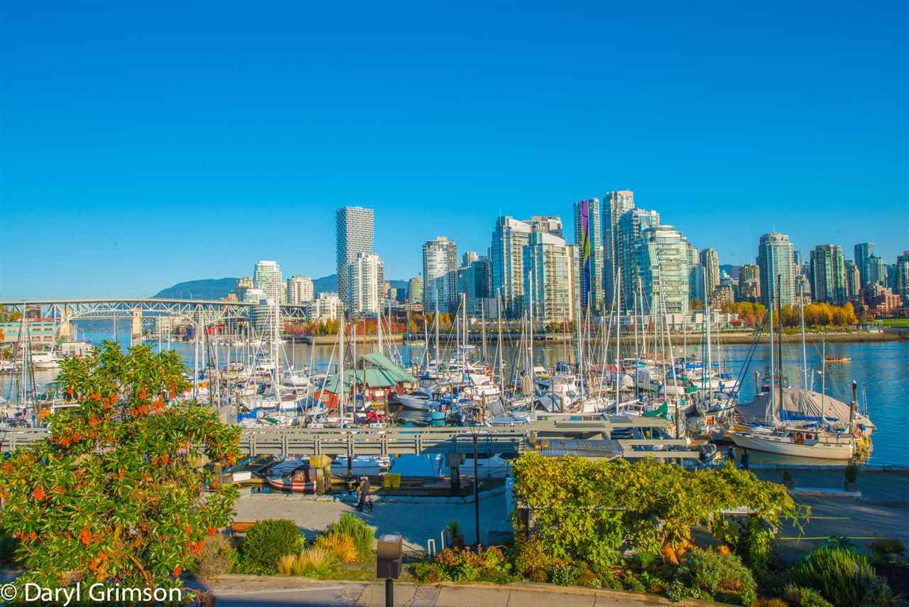 """Main Photo: 1006 IRONWORK PASSAGE in Vancouver: False Creek Townhouse for sale in """"Marine Mews"""" (Vancouver West)  : MLS®# R2420267"""