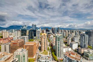 """Photo 10: 3803 1283 HOWE Street in Vancouver: Downtown VW Condo for sale in """"Tate"""" (Vancouver West)  : MLS®# R2592926"""