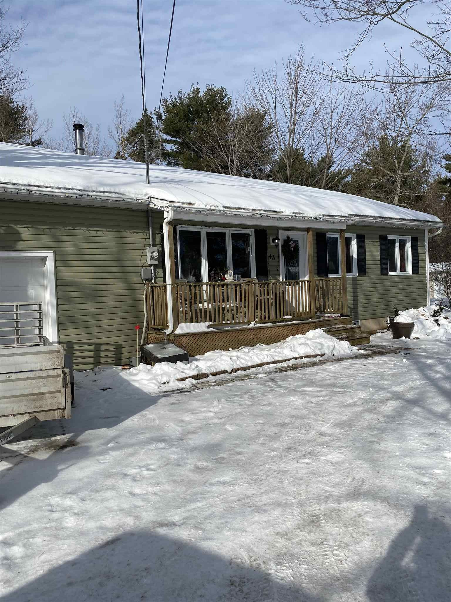 Main Photo: 43 Durno Drive in Cambridge: 404-Kings County Residential for sale (Annapolis Valley)  : MLS®# 202102961