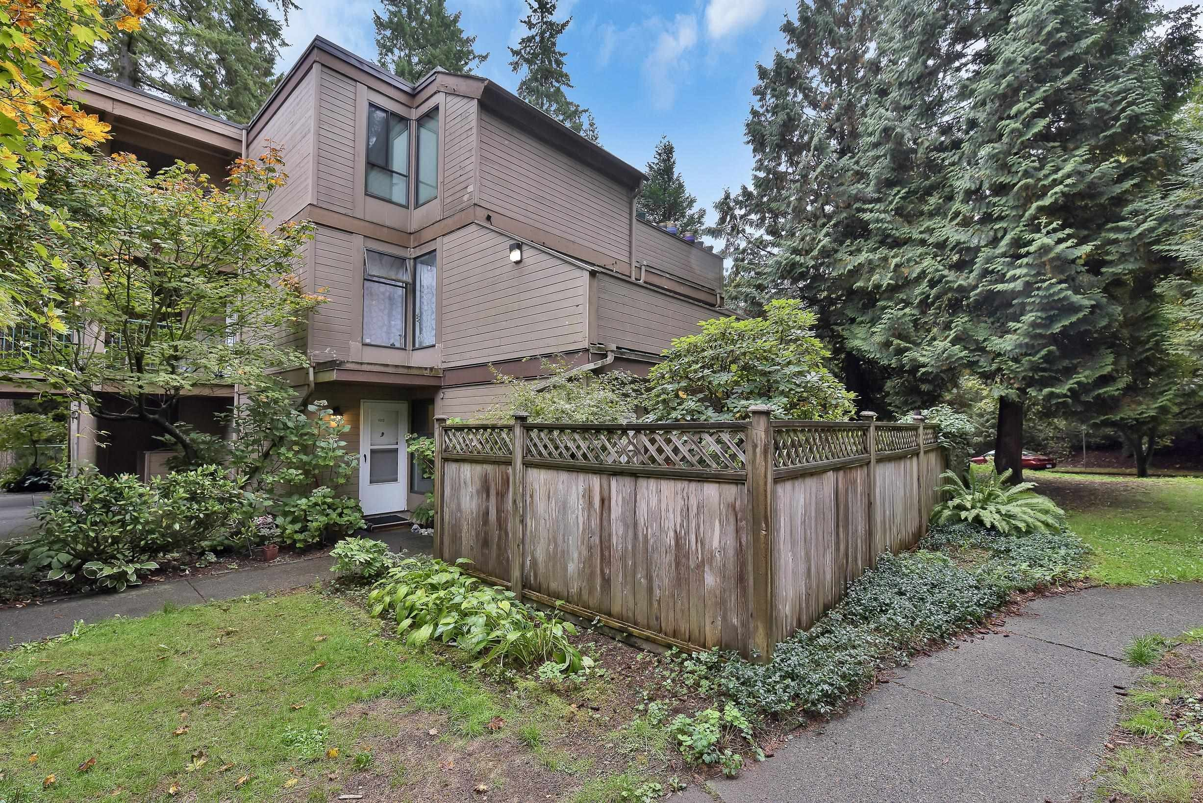 """Main Photo: 102 8686 CENTAURUS Circle in Burnaby: Simon Fraser Hills Townhouse for sale in """"Mountainwood"""" (Burnaby North)  : MLS®# R2621264"""
