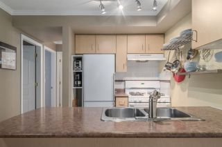 """Photo 8: 303 1617 GRANT Street in Vancouver: Grandview VE Condo for sale in """"Evergreen Place"""" (Vancouver East)  : MLS®# R2232192"""