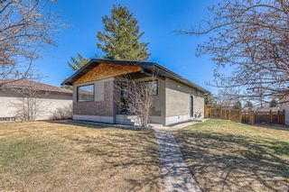 Photo 2: 1008 32 Street SE in Calgary: Albert Park/Radisson Heights Detached for sale : MLS®# A1090391