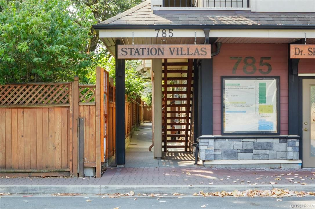 Photo 2: Photos: 205 785 Station Ave in Langford: La Langford Proper Row/Townhouse for sale : MLS®# 839939