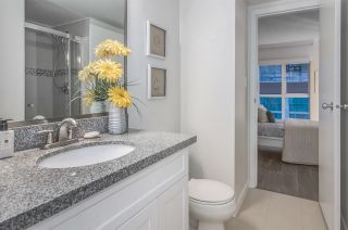 """Photo 17: 807 1188 HOWE Street in Vancouver: Downtown VW Condo for sale in """"1188 HOWE"""" (Vancouver West)  : MLS®# R2162667"""