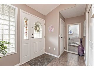 """Photo 4: 147 4001 OLD CLAYBURN Road in Abbotsford: Abbotsford East Townhouse for sale in """"CEDAR SPRINGS"""" : MLS®# R2555932"""