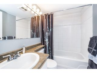 "Photo 9: 1505 907 BEACH Avenue in Vancouver: Yaletown Condo for sale in ""CORAL CRT"" (Vancouver West)  : MLS®# R2229594"