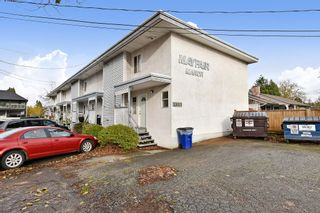 "Photo 1: 2 33915 MAYFAIR Avenue in Abbotsford: Central Abbotsford Townhouse for sale in ""MAYFAIR MANOR"" : MLS®# R2518778"